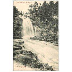 carte postale ancienne 65 CAUTERETS. Cascade du Pont d'Espagne personnage