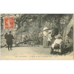 carte postale ancienne 65 CAUTERETS. La Source des Yeux 1913