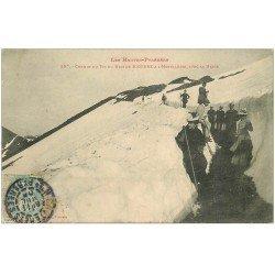 carte postale ancienne 65 CHEMIN DU PIC DU MIDI DE BIGORRE A L'HOTELLERIE. Randonneurs avec la Neige 1905