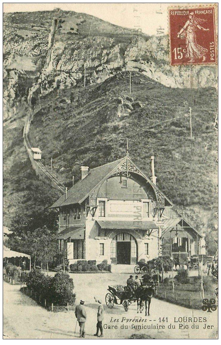 carte postale ancienne 65 LOURDES. Attelage Gare du Funiculaire du Pic de Jer 1930