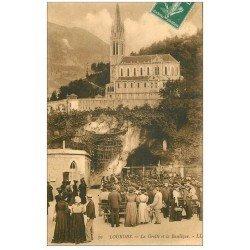 carte postale ancienne 65 LOURDES. Grotte de la Basilique 1911