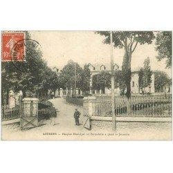 carte postale ancienne 65 LOURDES. Hospice Municipal où Bernadette passa sa Jeunesse vers 1910
