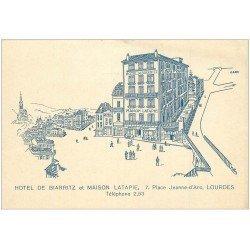 carte postale ancienne 65 LOURDES. Hôtel de Biarritz et Maison Latapie 7 Place Jeanne d'Arc