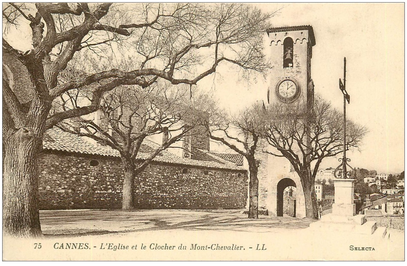 carte postale ancienne 06 CANNES. Clocher Eglise du Mont-Chevalier 1925
