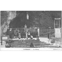 carte postale ancienne 65 LOURDES. La Grotte FV