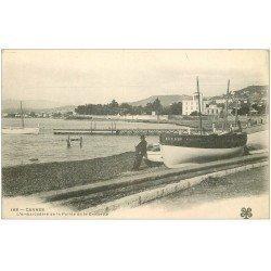 carte postale ancienne 06 CANNES. Embarcadère de la Pointe de la Croisette. Carte Pionnière vers 1900