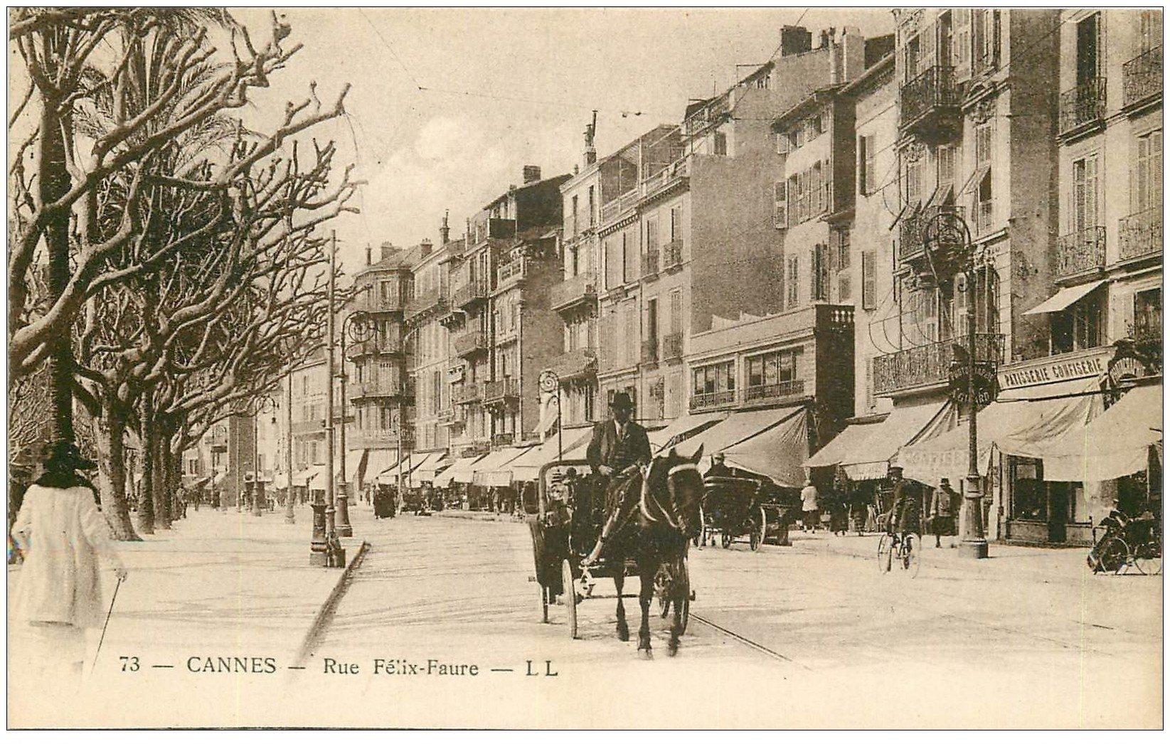 carte postale ancienne 06 CANNES. Fiacre Rue Félix-Faure