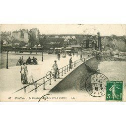 carte postale ancienne 76 DIEPPE. Boulevard Maritime vers Château 1912