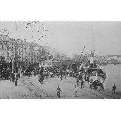 carte postale ancienne 76 DIEPPE. La Gare Maritime avec Locomotive et Steamer1905