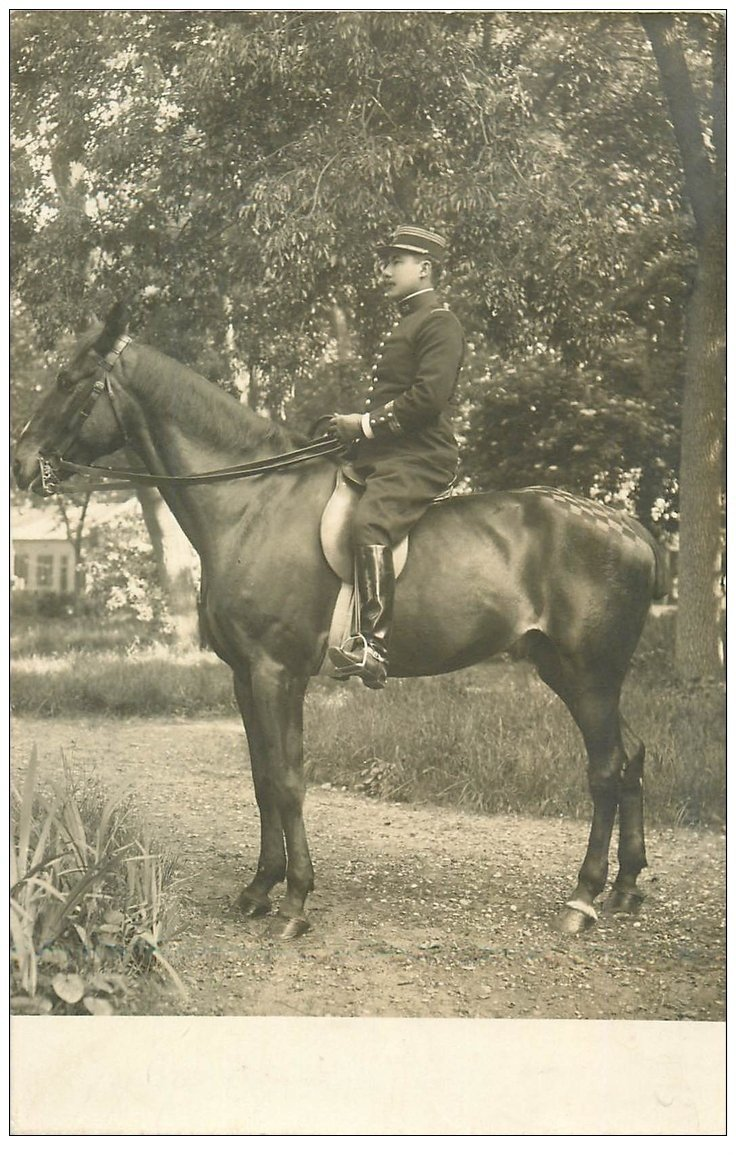 carte postale ancienne 01 SATHONAY. Un Militaire Cavalier à cheval 1909. Carte Photo de Morillon