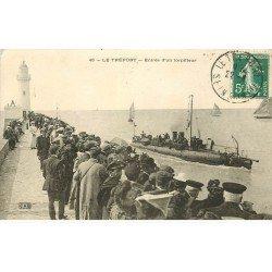 carte postale ancienne 76 LE TREPORT. Entrée d'un Torpilleur