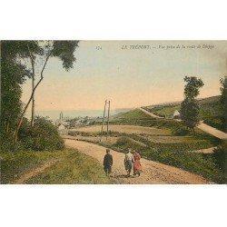 carte postale ancienne 76 LE TREPORT. Promeneurs Route de Dieppe