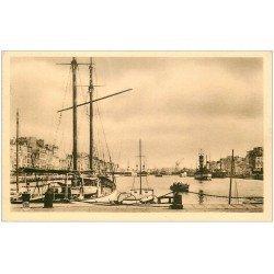carte postale ancienne 76 LE HAVRE. Bassin du Commerce Yacht