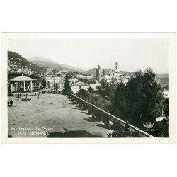 carte postale ancienne 06 GRASSE. Cathédrale et Cour. Carte Photo