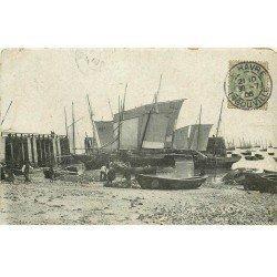 carte postale ancienne 76 LE HAVRE. Barques de Pêche 1906. Petits défauts