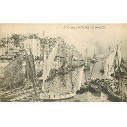 carte postale ancienne 76 LE HAVRE. Le Grand Quai Barques de Pêcheurs
