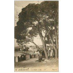 carte postale ancienne 06 JUAN-LES-PINS. La Pinède avec cabines de Plage 1918