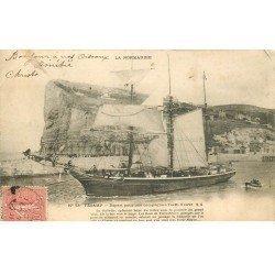 carte postale ancienne 76 FECAMP. Départ d'une campagne à Terre-Neuve 1903