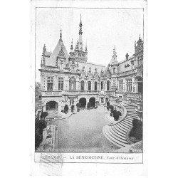 carte postale ancienne 76 FECAMP. Bénédictine Cour d'Honneur 1903