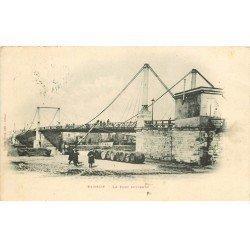carte postale ancienne 76 ELBEUF. Le Pont Suspendu 1901