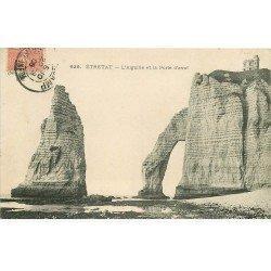 carte postale ancienne 76 ETRETAT. Aiguille Porte Ava 1906