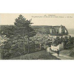 carte postale ancienne 76 ETRETAT. Descente de la Falaise Amont