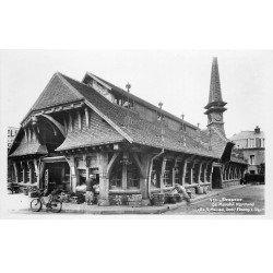 carte postale ancienne 76 ETRETAT. Le Marché Normand. Carte Photo