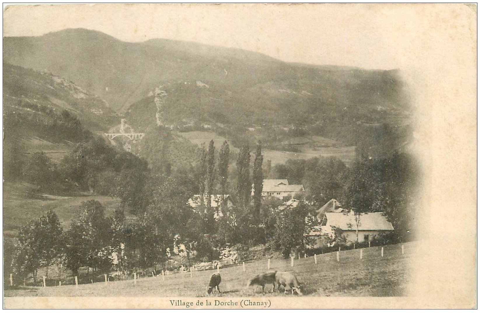 carte postale ancienne 01 Vers Chanay. Village de la Dorche