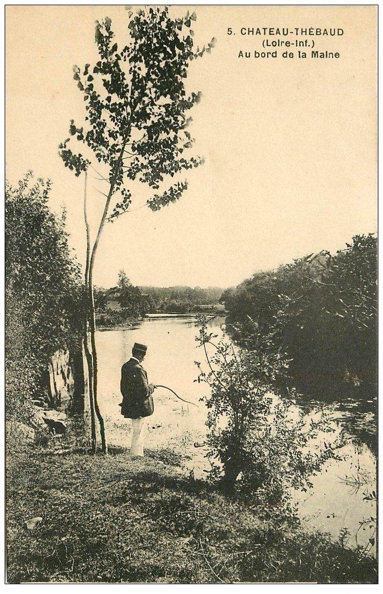 carte postale ancienne 44 CHATEAU-THEBAUD. Pêcheur à la ligne bord de la Maine 1945