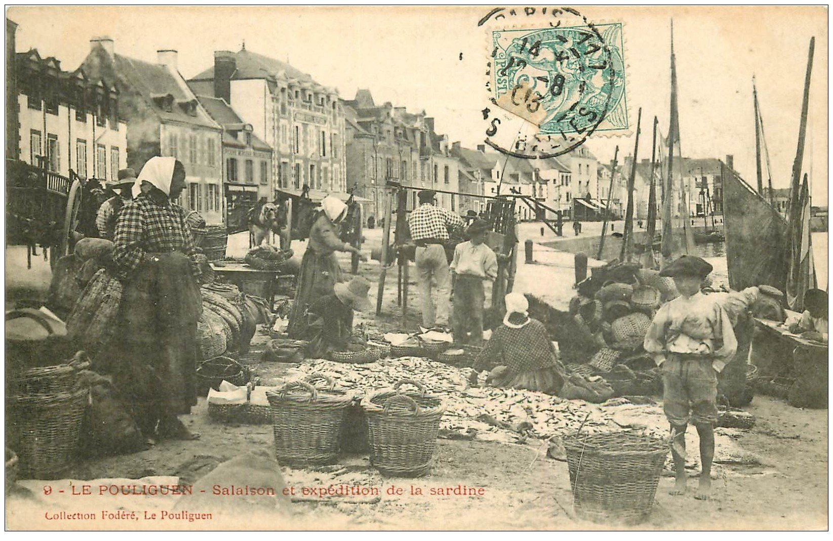 44 LE POULIGUEN. Salaison et expédition de la Sardine 1903