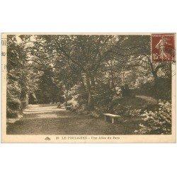 carte postale ancienne 44 LE POULIGUEN. Une Allée du Parc 1930