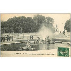carte postale ancienne 44 NANTES. Fontaine Place Duchesse Anne 1918