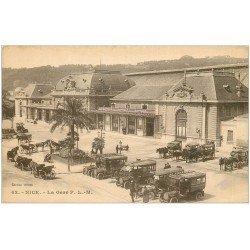 carte postale ancienne 06 NICE. La Gare. Autocars pour Hôtels et Fiacre. Diligences Bus