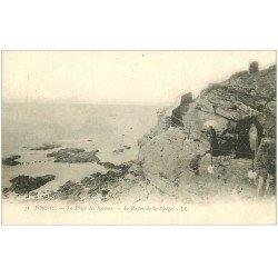 carte postale ancienne 44 PORNIC. Plage Sablons Rocher de la Vierge vers 1900