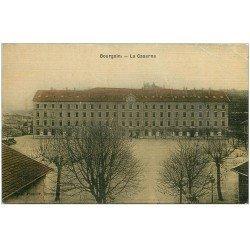 carte postale ancienne 38 BOURGOIN. La Caserne carte toilée 1915