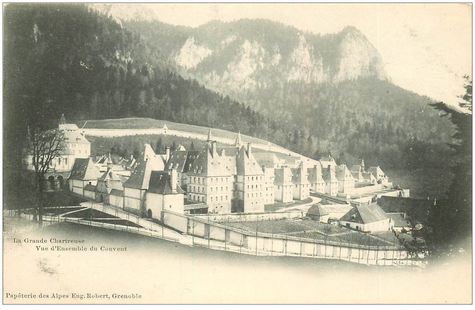 carte postale ancienne 38 CHARTREUSE. Couvent vers 1900