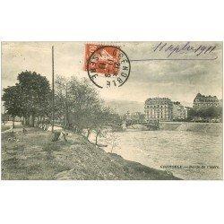 carte postale ancienne 38 GRENOBLE. Bords Isère 1911 Femme ramassant de l'herbe...