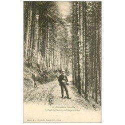 carte postale ancienne 38 Près URIAGE. La Forêt de Prémol vers 1900