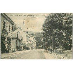 carte postale ancienne 38 URIAGE-LES-BAINS. Coiffeur sur l'Avenue (timbre absent)...