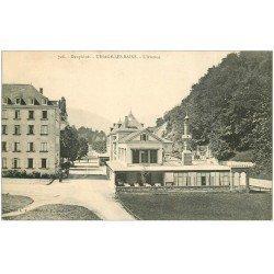 carte postale ancienne 38 URIAGE-LES-BAINS. L'Avenue