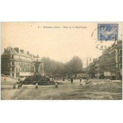 carte postale ancienne 38 VOIRON. Place République 1925
