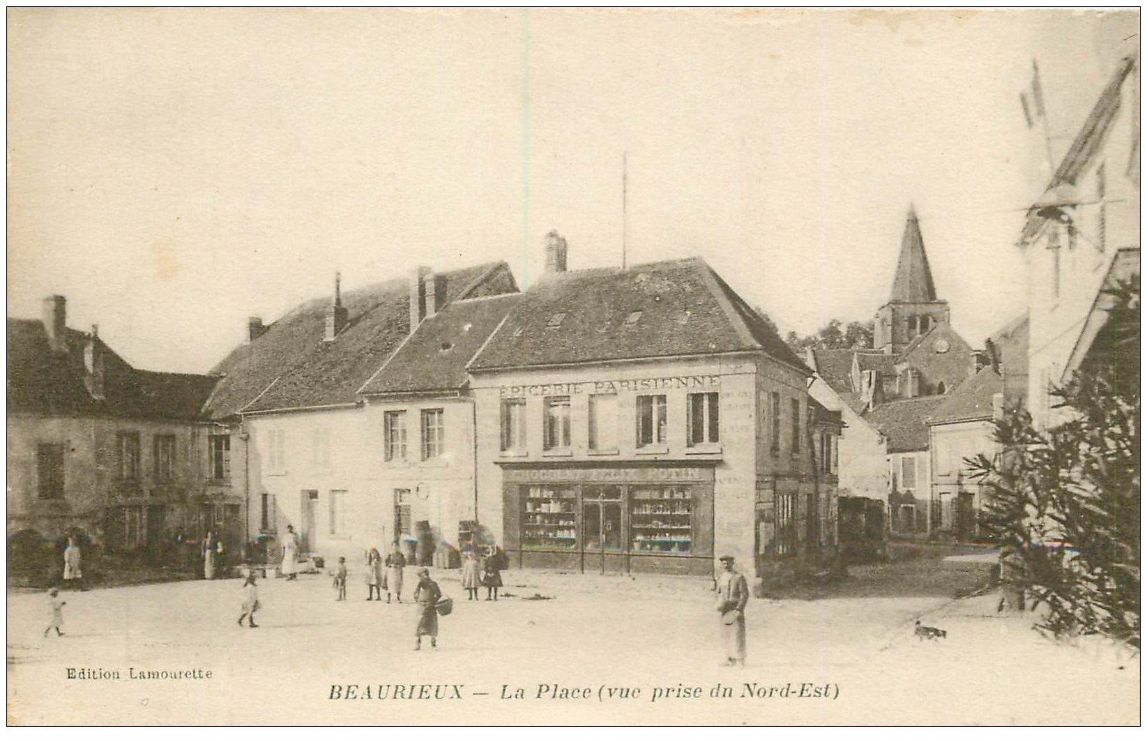 carte postale ancienne 02 BEAURIEUX. La Place 1917. Epicerie Parisienne. Chocolat Félix Potin
