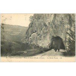 carte postale ancienne 39 SAINT-CLAUDE. Roche Percée Route de Genève 1924