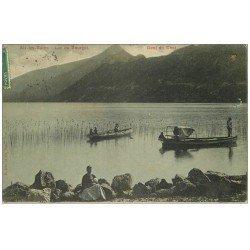 carte postale ancienne 73 AIX-LES-BAINS. Ballades en barques Lac du Bourget 1910 Dent du Chat et Femme assie avec Bébé