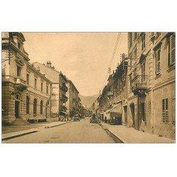 carte postale ancienne 73 ALBERTVILLE. Rue de la République Garage et Pompe à essence