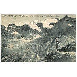 carte postale ancienne 73 BONNEVAL-SUR-ARC. La Levana avec Randonneur 1927