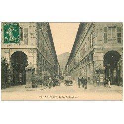 """carte postale ancienne 73 CHAMBERY. Rue des Portiques 1912. Kiosque journaux """"""""Maggi"""""""" et vespasiennes """"""""Salamo"""""""""""