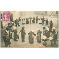 carte postale ancienne 56 AURAY. Noce Bretonne dansant la Ridée