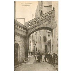 carte postale ancienne 56 HENNEBONT. La Rue Launay bien animée