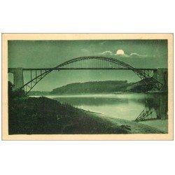 carte postale ancienne 56 LA ROCHE-BERNARD. Le Pont en Arc au clair de lune